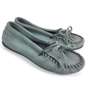 MINNETONKA Grey Blue Leather Suede Fringe Moccasin